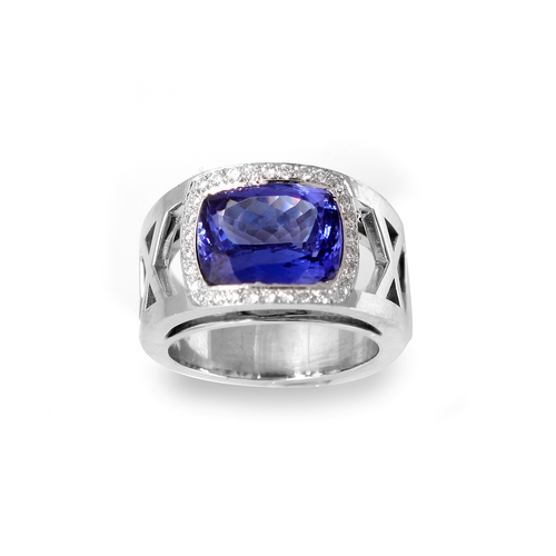 4.65 carats Tanzanite and diamonds 18K white gold ring