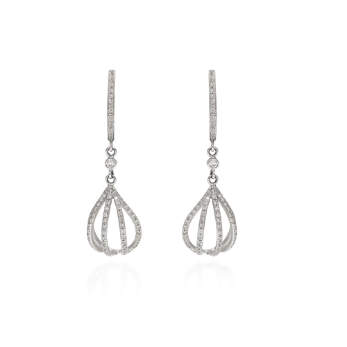 boucles-d-oreille-montgolfieres-pavees-diamants-et-or-gris-1
