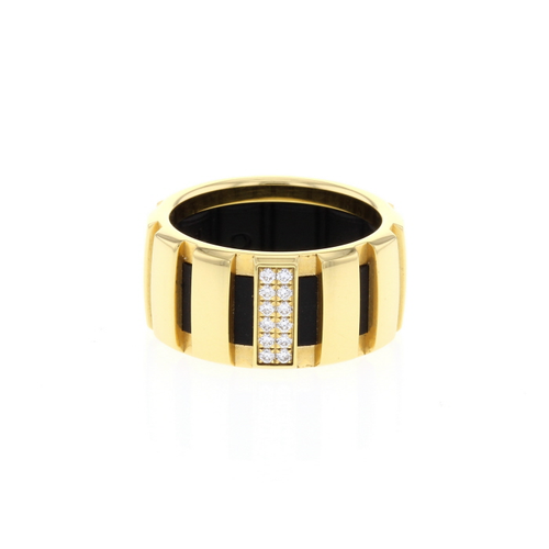 Chaumet Diamonds and 18K Yellow Gold Class One Ring