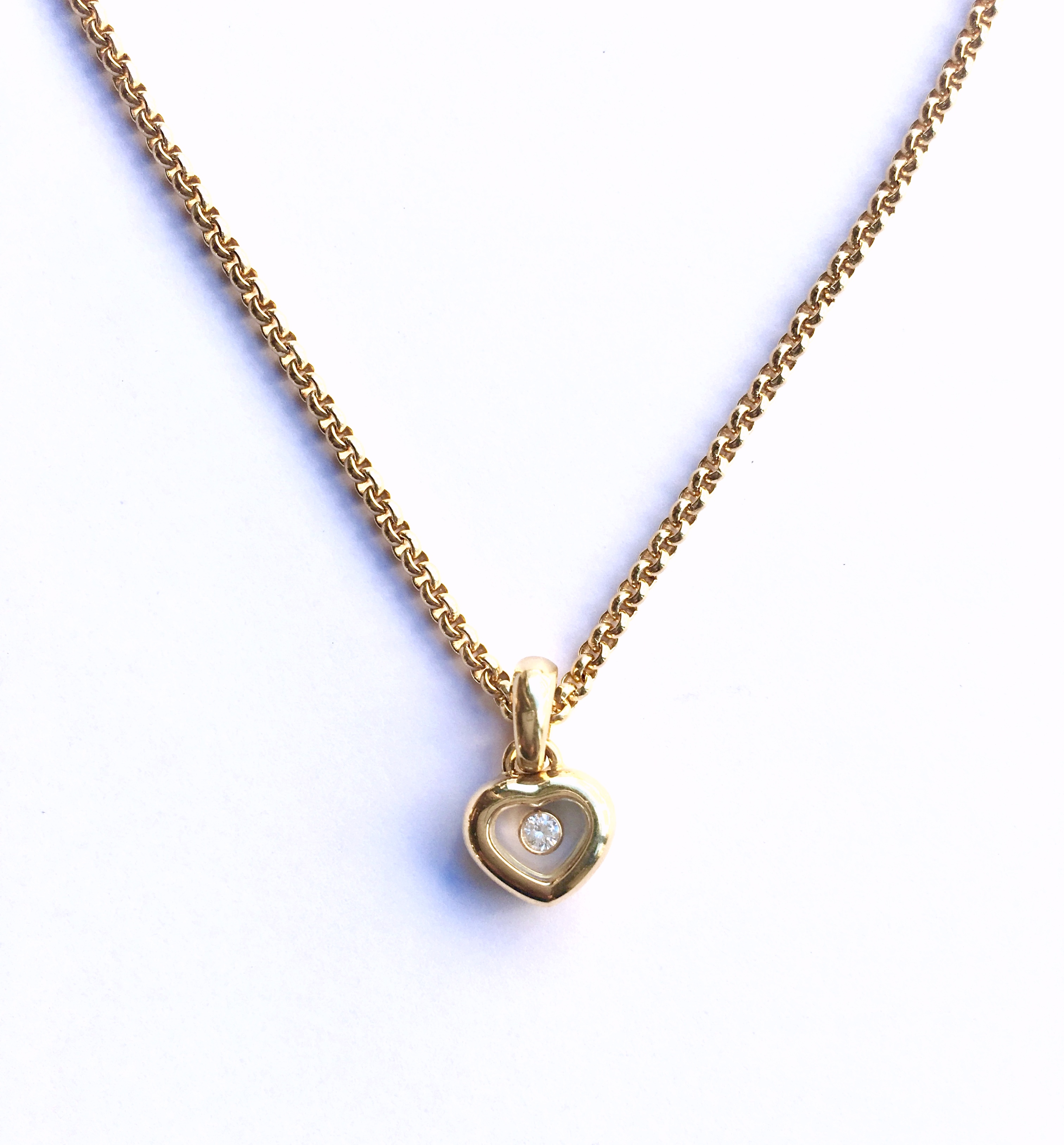3fd548d628a2c Chopard small Happy Diamond Heart 18k Yellow Gold Necklace | Pierres ...