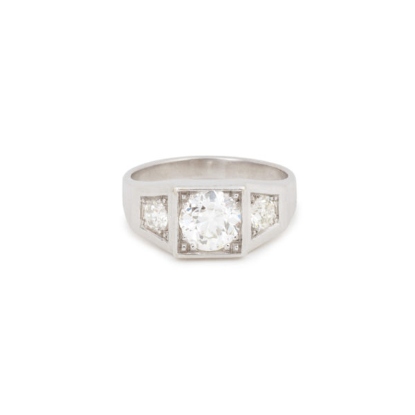 Signet Trilogy 1.65 Carats Old-Cut Diamonds 18 Carats White Gold Ring
