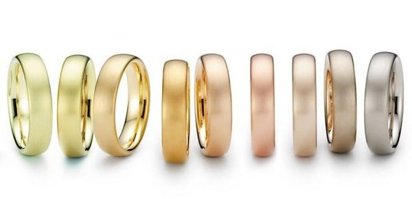 different-rings-in-different-color-of-gold