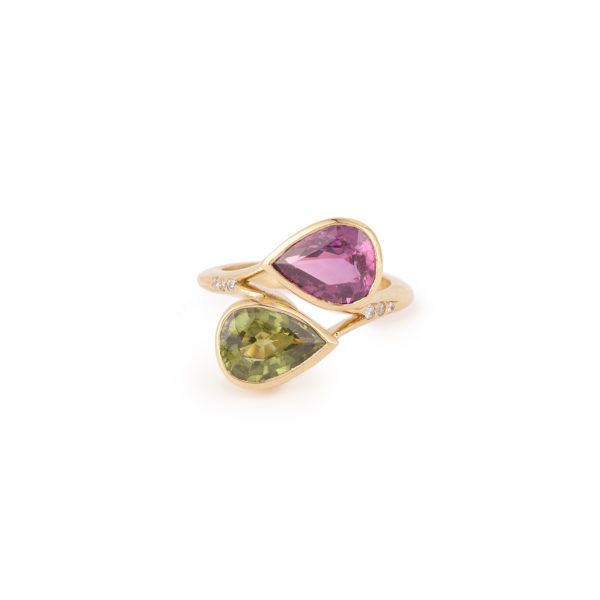 Pear Cut Pink Sapphire & Green Sapphire Diamonds Toi & Moi 18 Carats Yellow Gold Ring